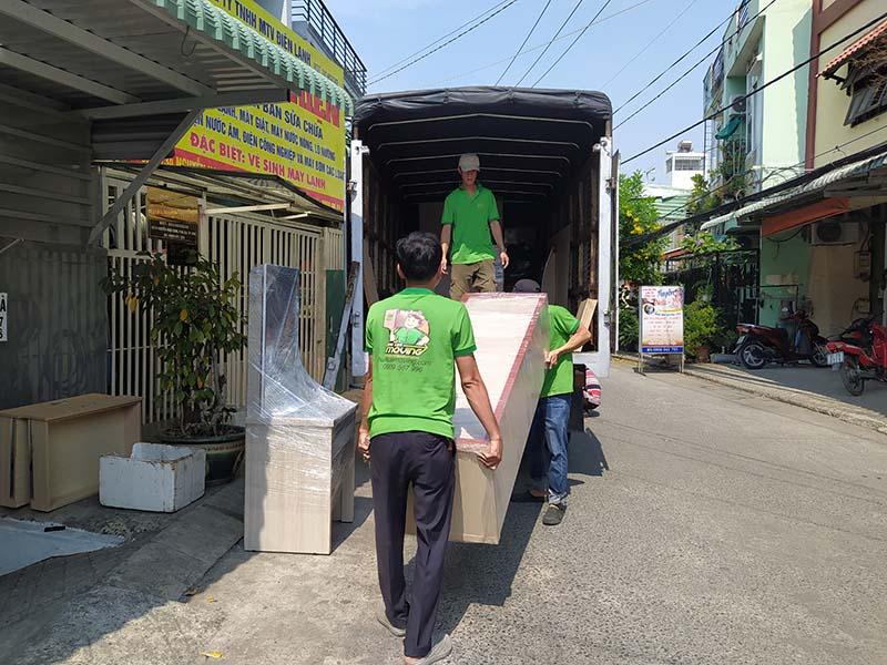 Thuê xe tải chở hàng có thể giúp bạn tiết kiệm nhiều thời gian